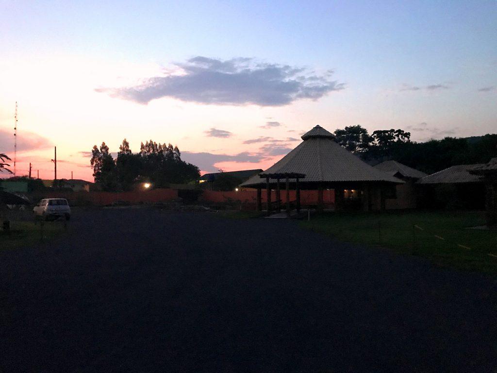Fim de tarde na pousada Jardim do Cerrado