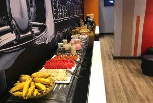Frutas no café do Ibis Budget Aracaju